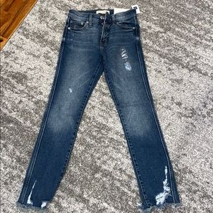 Brand new Gap high rise slim straight as 25